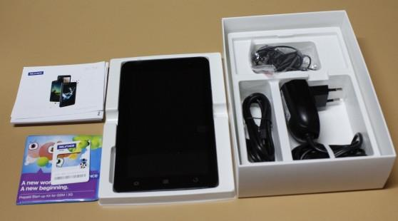 Unboxing the Reliance Tab
